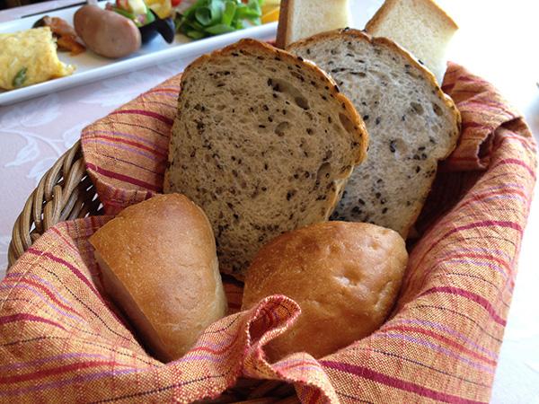 地元『パン工房ささき亭』のパン